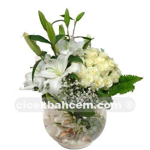 Sevgiliye Ozel Beyaz Gul Lilyum