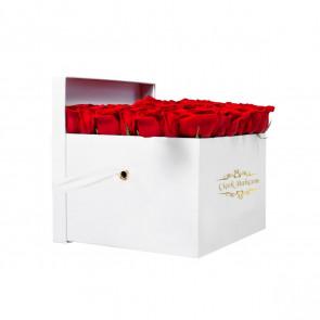Beyaz Kare Kutuda 49 Kırmızı Gül