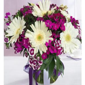 Tatlı Süpriz, Vazoda Gerbera ve Kır Çiçekleri