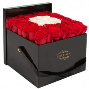 Kalbimin Aynası, Kutuda 45 Kırmızı Beyaz Gül