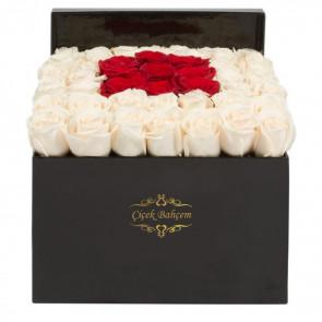 Siyah Kutuda 41 Beyaz Kırmızı Güller